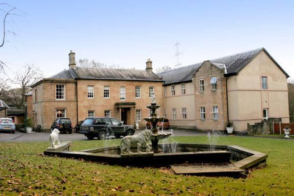 The Lodge Nursing Home Chapel En Le Frith Derbyshire By